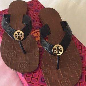 New Tory Burch pebble grain leather Thora sandals